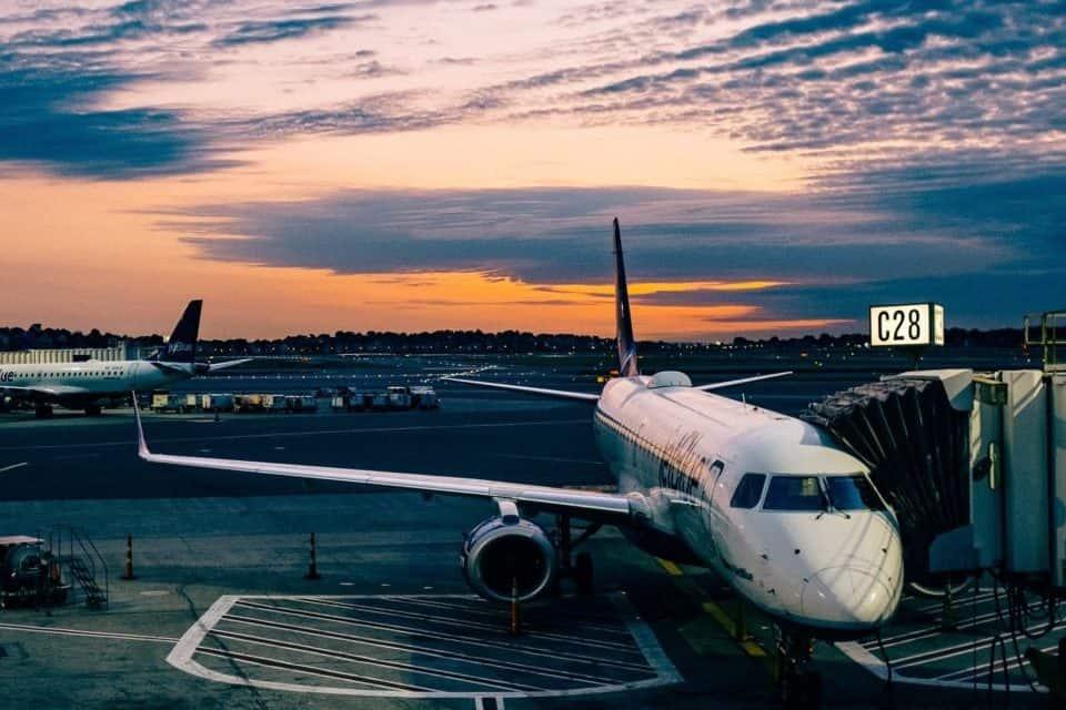 Saiba a senha do wi-fi de 130 aeroportos pelo mundo