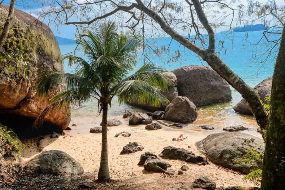 Praia do bananal em ilha grande, angra dos reis
